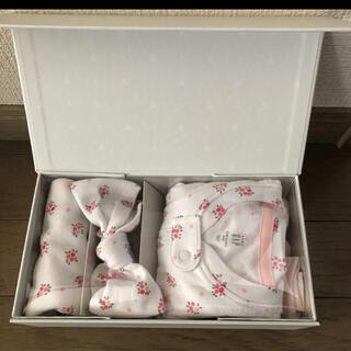 babyGAP - GAP★ギフトボックス、ロンパース&スタイ&ヘアバンドのセット