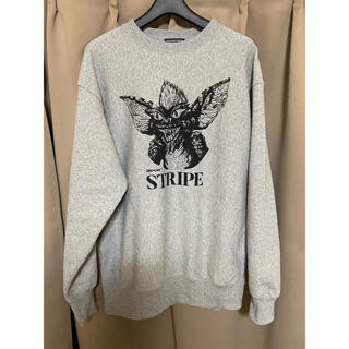 OVER THE STRIPES - over the stripes gremlins スウェット L