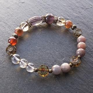 「桜愁の夕」アメジストガーデンクォーツの天然石ブレスレット