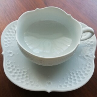 【Meissen】ホワイトレリーフ ティーカップ&ソーサー 1客