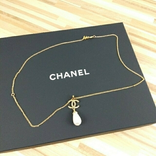 CHANEL - CHANELネックレス ロゴ&パール ゴールドネックレス