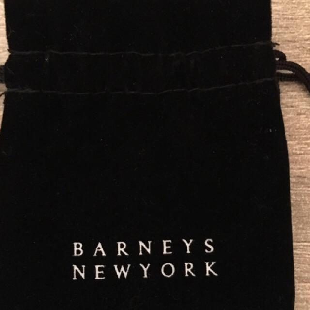 BARNEYS NEW YORK(バーニーズニューヨーク)の本物 ゴールド 星ピアス レディースのアクセサリー(ピアス)の商品写真