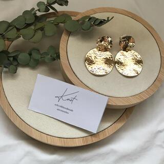apart by lowrys - matte circle earrings-gold-