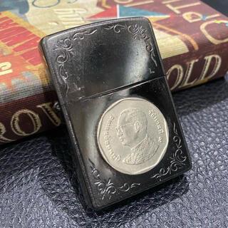 ジッポー(ZIPPO)の【ZIPPO】タイ バーツ 硬貨 コイン ジッポライター 2010年製(タバコグッズ)