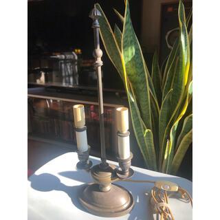 ローラアシュレイ(LAURA ASHLEY)のアンティーク イギリスのローラアシュレイの燭台型照明器具 シャビー(テーブルスタンド)
