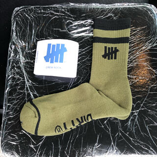 UNDEFEATED - UNDEFEATED PLAY DIRTY CREW SOCKS ソックス 靴下