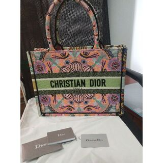 Christian Dior - DIOR BOOK TOTE Dior In Lights エンブロイダリー