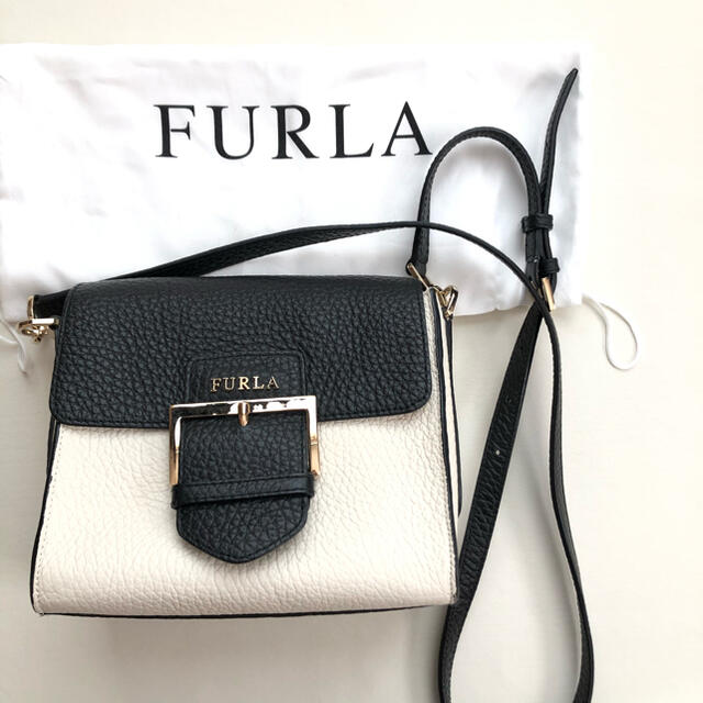 Furla(フルラ)の美品 FURLA  レザーショルダーバック バイカラー レディースのバッグ(ショルダーバッグ)の商品写真