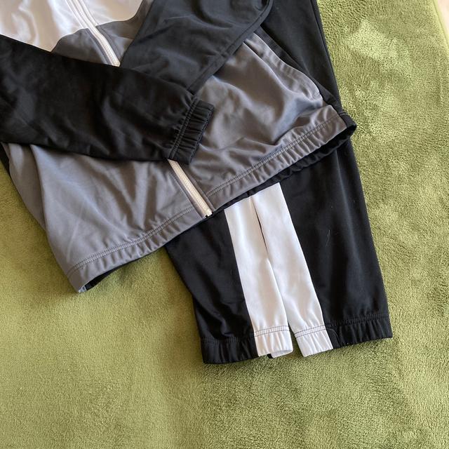 NIKE(ナイキ)のまーる様 NIKE ジャージ上下セット Lブラックグレー  メンズのトップス(ジャージ)の商品写真