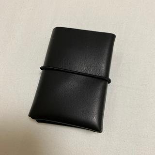 イロセ(i ro se)のiroseシームレスミニウォレット【ブラック】(折り財布)