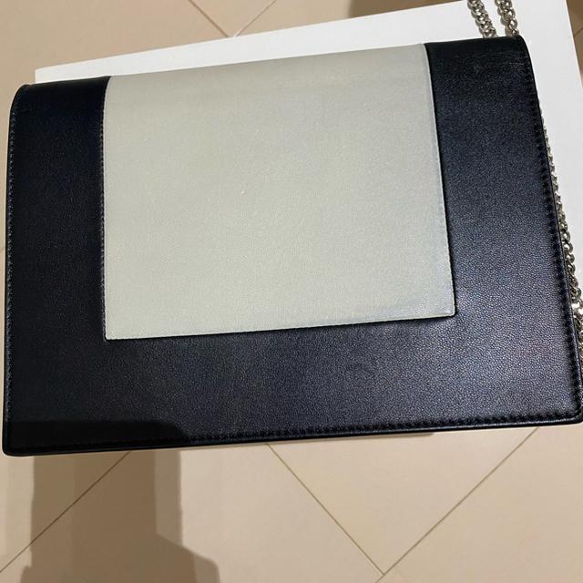 celine(セリーヌ)のクーポン20日まで利用可能セリーヌ フレーム イヴニングチェーンクラッチ レディースのバッグ(ショルダーバッグ)の商品写真