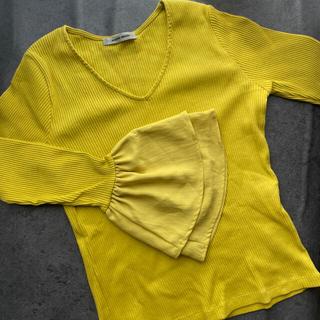 ローズバッド(ROSE BUD)のROSEBUD  フレアスリーブ カットソー 黄色(カットソー(長袖/七分))