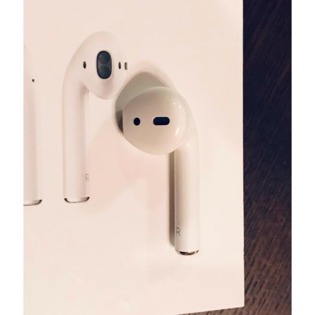 Apple(アップル)のアップル エアーポッズ AirPods 第一世代 R 右耳のみ A1523 スマホ/家電/カメラのオーディオ機器(ヘッドフォン/イヤフォン)の商品写真