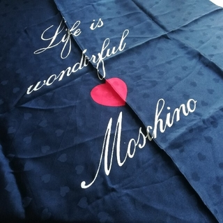 モスキーノ(MOSCHINO)の【fluffy様】MOSCHINO スカーフ ネイビー ハート(バンダナ/スカーフ)