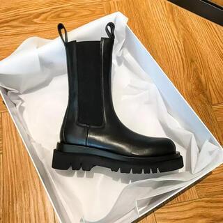 ザラ(ZARA)のブラックアンクルブーツ(ブーツ)