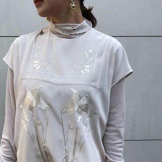 mame - 新品タグ付き♡21SS mame 刺繍フレンチスリーブトップス サイズ1