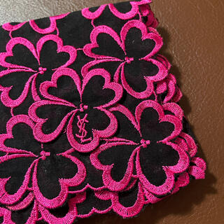 Saint Laurent - 新品サンローラン刺繍ハンカチ◆クローバー ◆ピンク◆レア◆