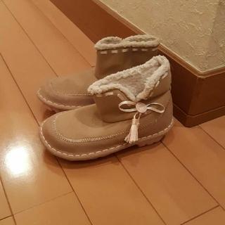 クロックス(crocs)の新品未使用クロックスcrocsベージュピンクリボンブーツc10 17.5センチ(ブーツ)