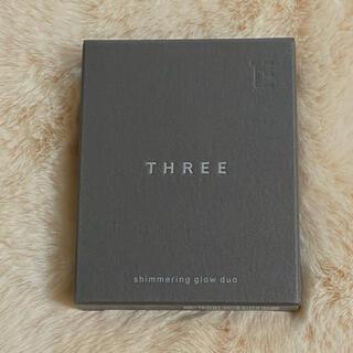 スリー(THREE)のTHREE シマリング グロー デュオ 01(ファンデーション)