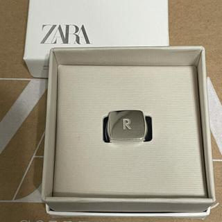 ZARA - ZARA イニシャル リング R