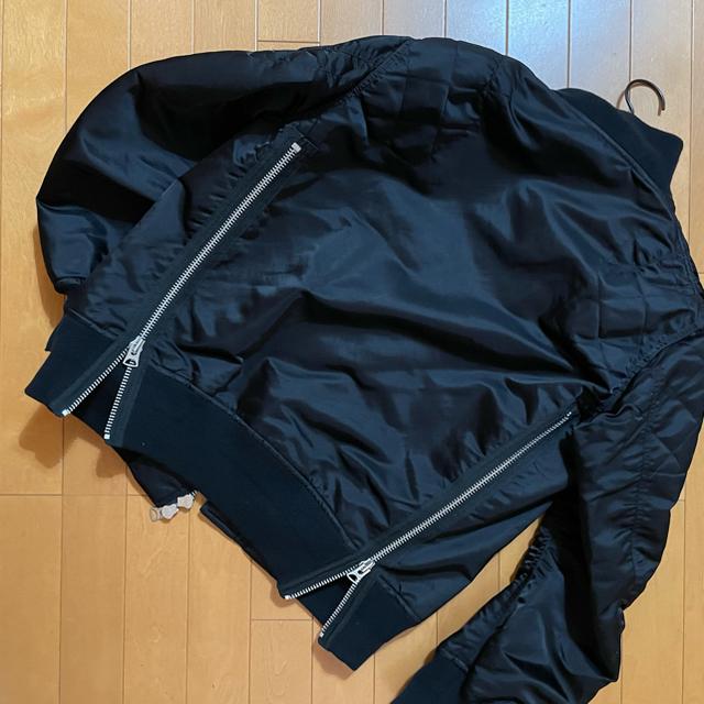 sacai(サカイ)の希少 sacai 20aw MA-1 ジャケット ブルゾン レザードッキング  メンズのジャケット/アウター(ブルゾン)の商品写真