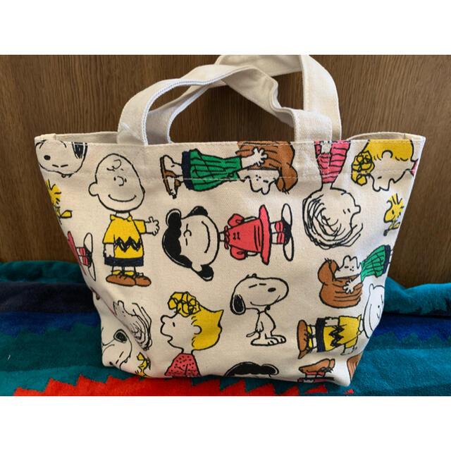 PEANUTS(ピーナッツ)のスヌーピー ランチトート  エンタメ/ホビーのおもちゃ/ぬいぐるみ(キャラクターグッズ)の商品写真