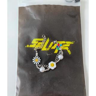 KAPITAL - SALUTE flower anarchy bracelet