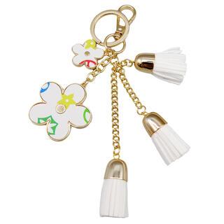 フラワー キーホルダー バッグチャーム ホワイト お花チャーム QM029(キーホルダー)