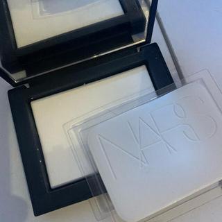NARS - ライトリフレクティングセッティングパウダー プレスト N