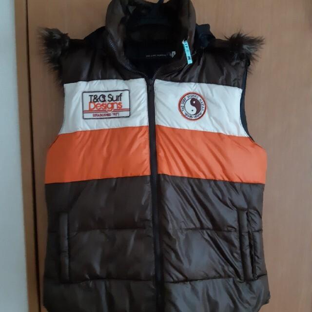 Town & Country(タウンアンドカントリー)のダウン ベスト【T&C SURF DESIGNS】 メンズのジャケット/アウター(ダウンベスト)の商品写真