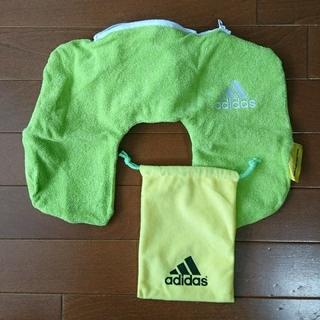 アディダス(adidas)のアディダス テニス ネックピロー 携帯枕 収納袋付き adidas(旅行用品)