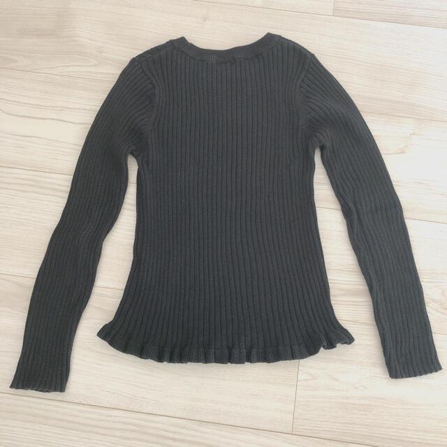 GU(ジーユー)のGU 女の子 ニット カットソー 130cmブラック キッズ/ベビー/マタニティのキッズ服女の子用(90cm~)(Tシャツ/カットソー)の商品写真