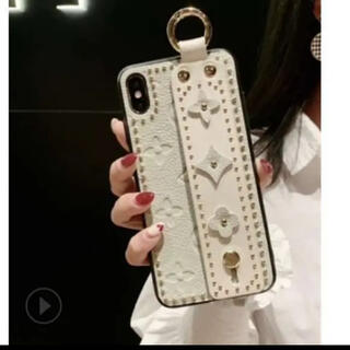 iphone X/XS ケース カバー 花柄 スタッズ 白 ベルト 大人(iPhoneケース)