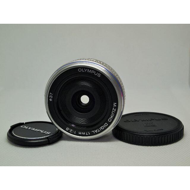 OLYMPUS(オリンパス)の良品 M.ZUIKO DIGITAL 17mm F2.8 単焦点パンケーキレンズ スマホ/家電/カメラのカメラ(レンズ(単焦点))の商品写真