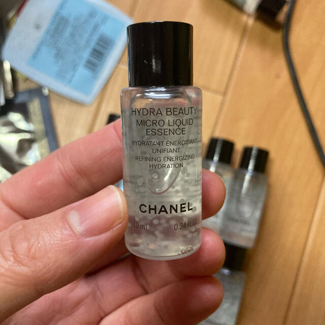 CHANEL(シャネル)のシャネルサンプルイドゥラビューティマイクロリクゥィッドエッセンス10mlx10本 コスメ/美容のキット/セット(サンプル/トライアルキット)の商品写真