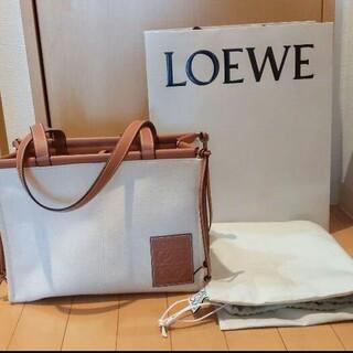 LOEWE - LOEWE クッショントート スモール ライトオート
