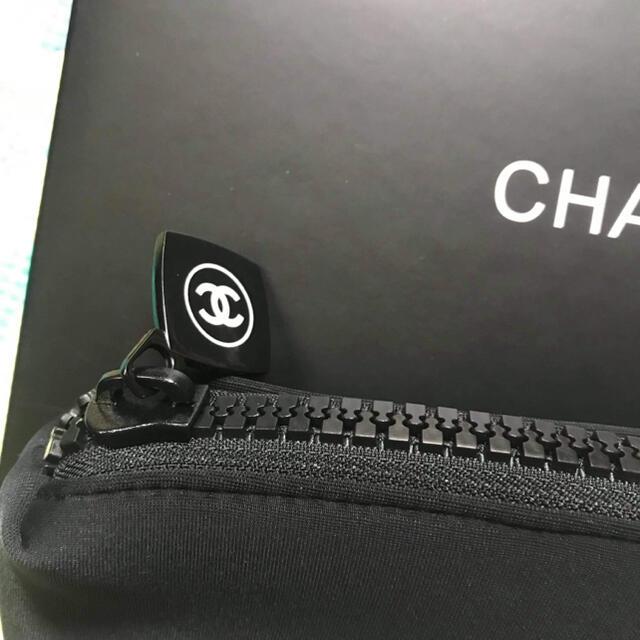 CHANEL(シャネル)のシャネルノベルティポーチ レディースのファッション小物(ポーチ)の商品写真