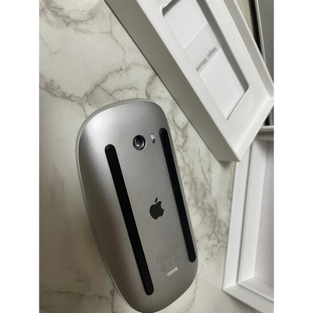 Apple(アップル)の純正品 Apple Magic Mouse 2 マジックマウス2  スマホ/家電/カメラのPC/タブレット(PC周辺機器)の商品写真