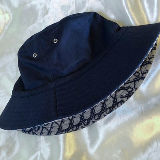Christian Dior - Christian Dior  ロゴ バケットハット  ネイビー 紺色  帽子