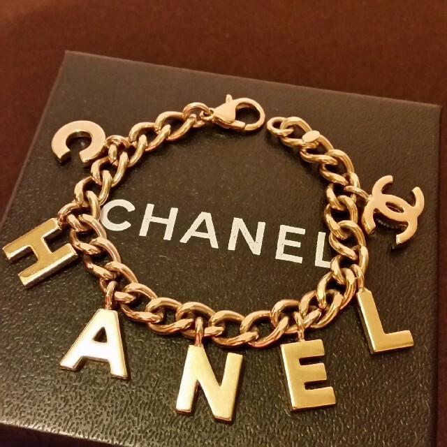CHANEL(シャネル)の綺麗、ロゴブレスレット レディースのアクセサリー(ブレスレット/バングル)の商品写真