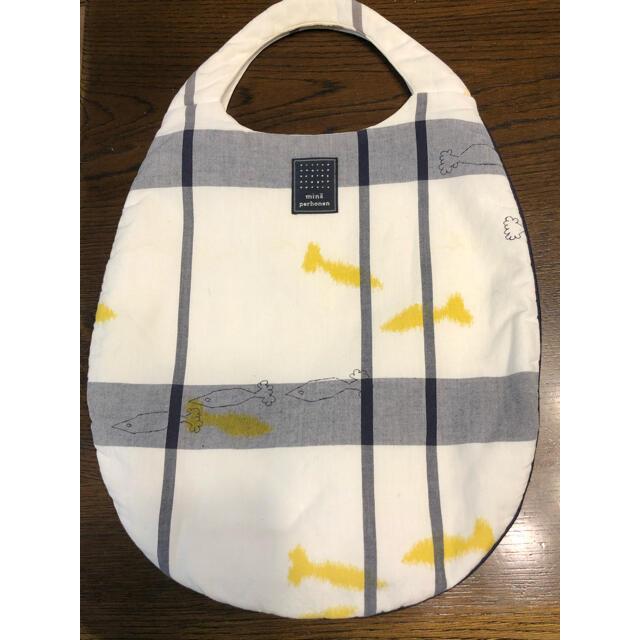 mina perhonen(ミナペルホネン)のミナペルホネン  お魚柄 エッグバッグ レディースのバッグ(ハンドバッグ)の商品写真