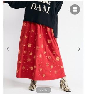 ヒステリックグラマー(HYSTERIC GLAMOUR)のヒステリックグラマー GOTHIC柄刺繍スカート スカート レッド キューン(ロングスカート)