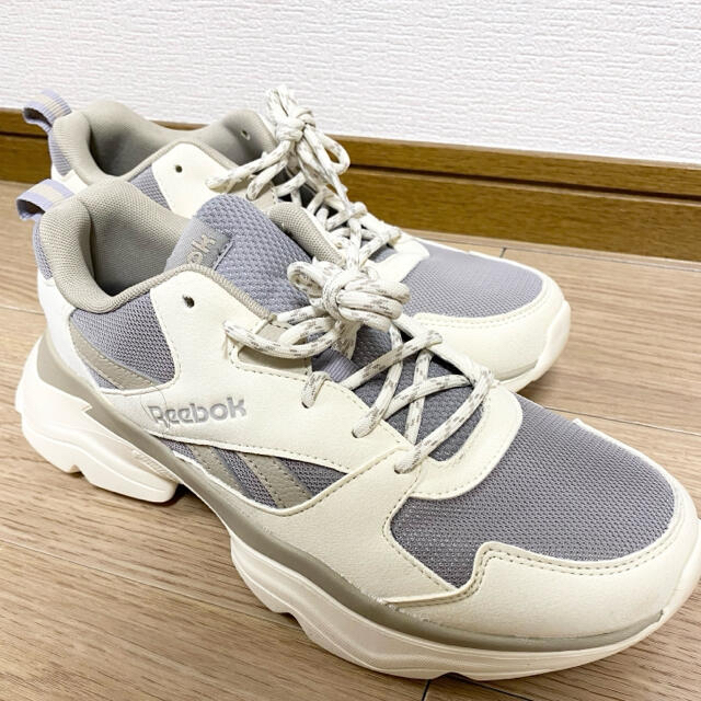 Reebok(リーボック)の韓流アイドル着用 リーボック ロイヤル ブリッジ 3 ユニセックス レディースの靴/シューズ(スニーカー)の商品写真