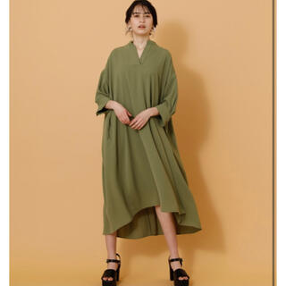 AZUL by moussy - 定価¥7,689 美品 アズールバイマウジー 抜け襟 シャツワンピース 完売品