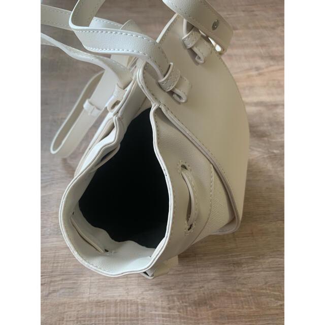 DEUXIEME CLASSE(ドゥーズィエムクラス)のハンモックバッグ ホワイト 2way ショルダーバッグ ハンドバッグ 大容量 レディースのバッグ(ショルダーバッグ)の商品写真