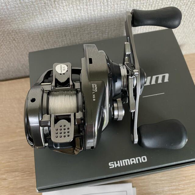 SHIMANO(シマノ)の使用1回 シマノ20メタニウムXG LEFT スポーツ/アウトドアのフィッシング(リール)の商品写真