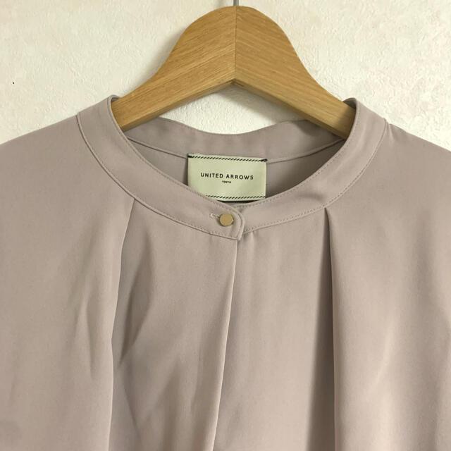 UNITED ARROWS(ユナイテッドアローズ)のUNITEDARROWS バンドカラータックブラウス レディースのトップス(シャツ/ブラウス(長袖/七分))の商品写真
