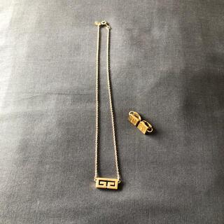 ジバンシィ(GIVENCHY)のジバンシィ ネックレスとイヤリング(ネックレス)