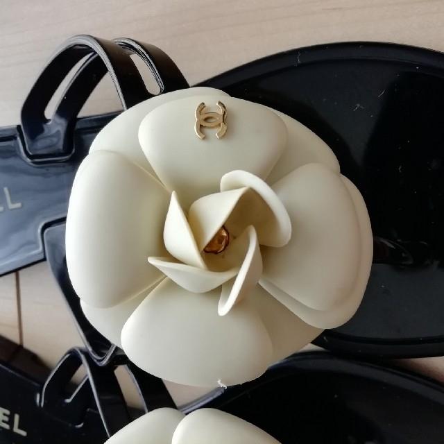 CHANEL(シャネル)の[美品]CHANEL カメリア ビーチサンダル 35 レディースの靴/シューズ(ビーチサンダル)の商品写真