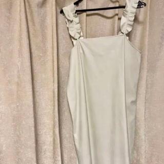 ZARA - 肩フリル ホワイトレザー 白 オーバーオール キャミソールワンピース